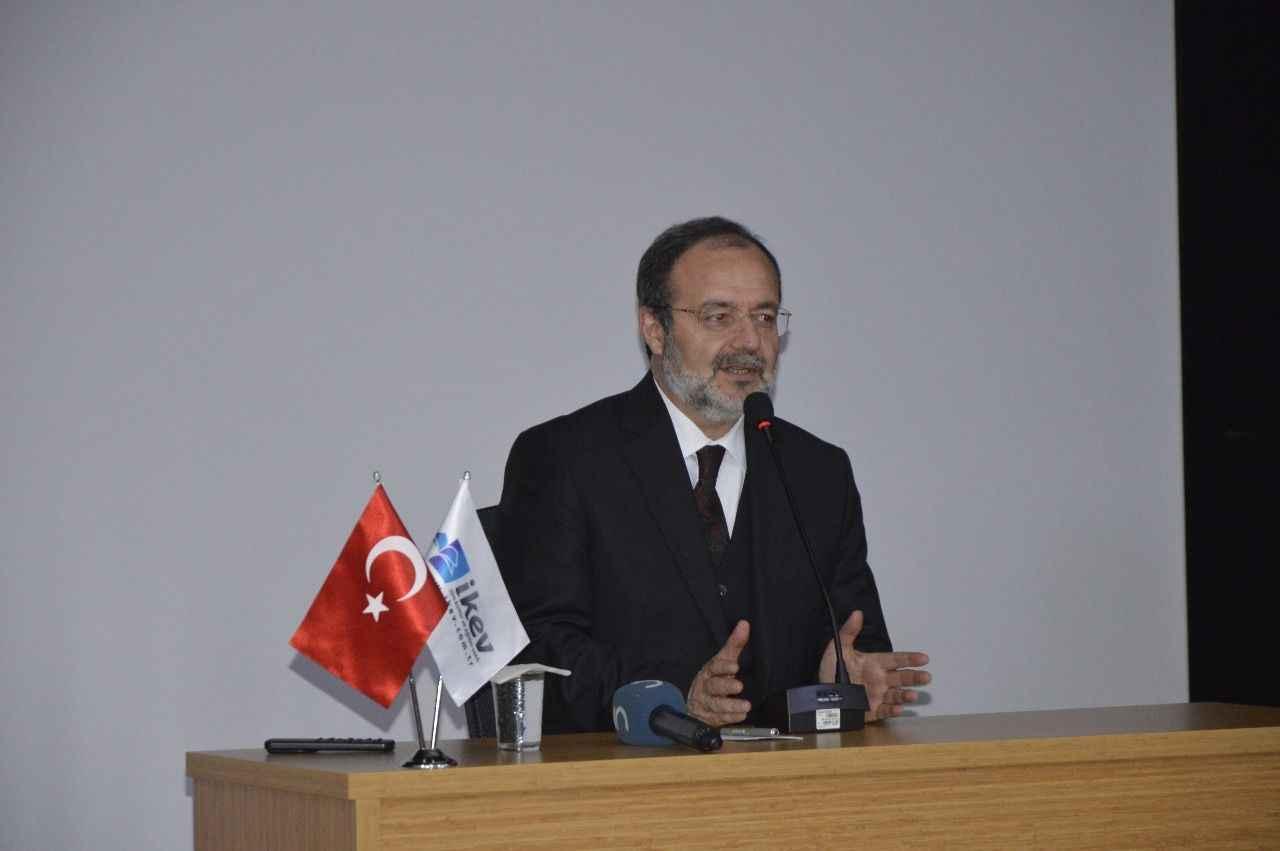 Mehmet Görmez: İlmi din ve fen diye ayıramazsınız